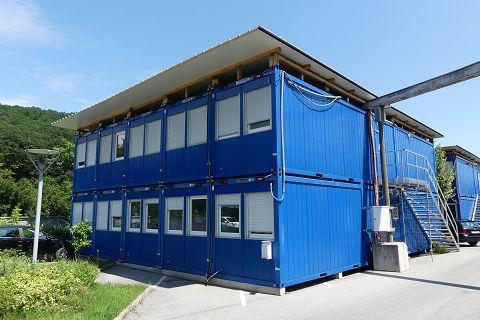 Zweistöckige Containeranlage Containex