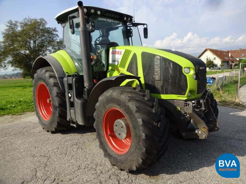 Zugmaschine (T1) Claas Axion 950